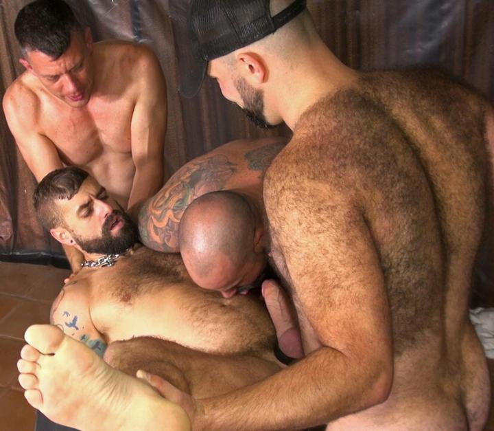 Cock Loving Bears Banging In Wild Foursome
